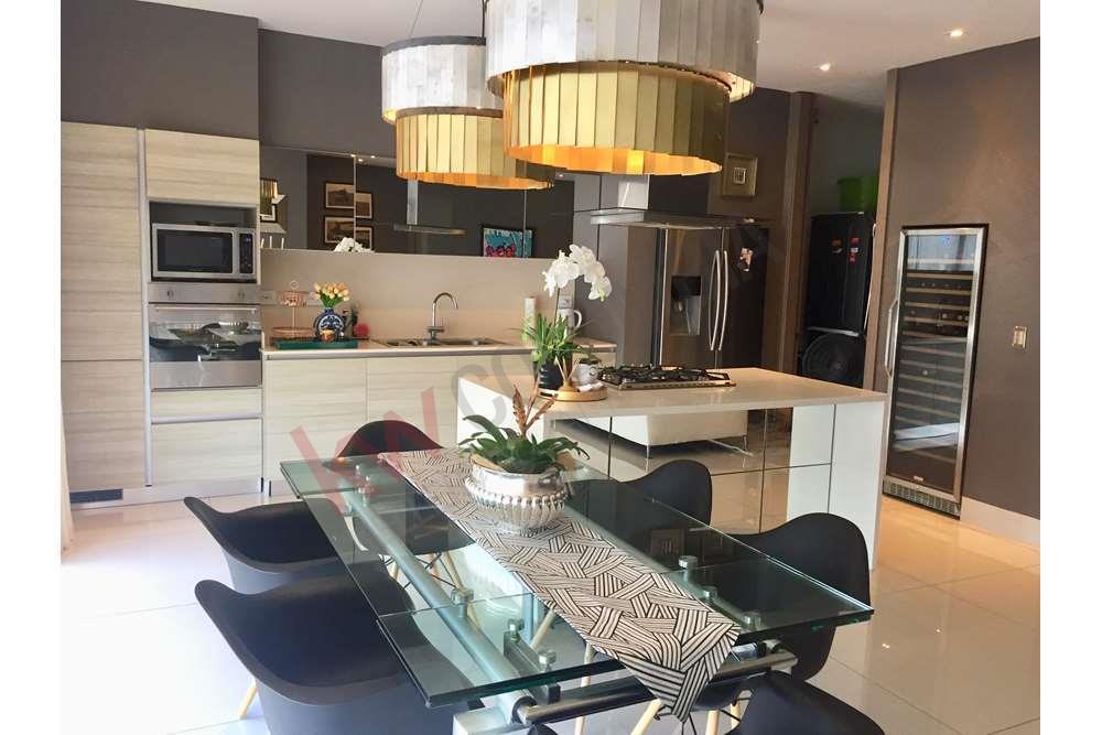 Beautiful Luxury Apartment