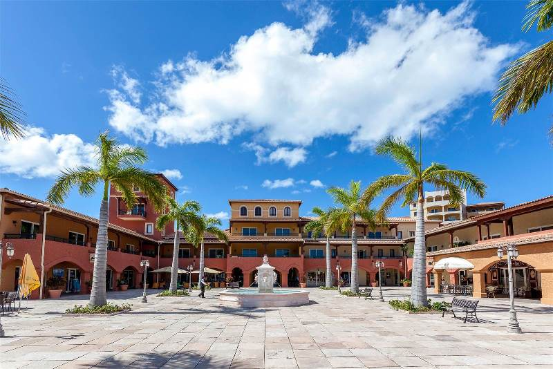 22.-for-sale-luxury-3-bedroom-3-bath-fully-furnished-condo-in-cupecoy-st.-maarten-common-area