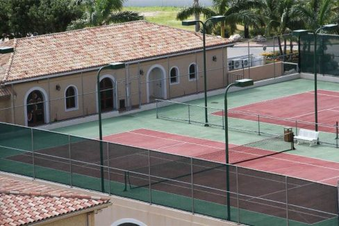 23.-for-sale-luxury-3-bedroom-3-bath-fully-furnished-condo-in-cupecoy-st.-maarten-tennis-court
