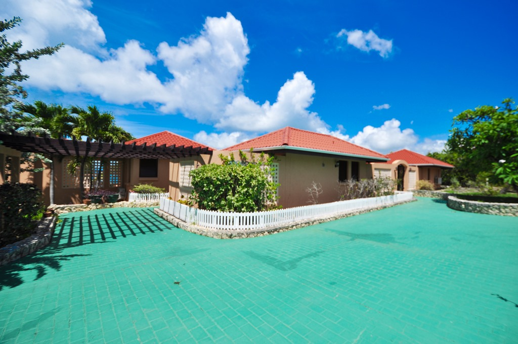 for-sale-3-bedroom-3.5-bath-ocean-view-villa-saint-martin-terres-basses-28