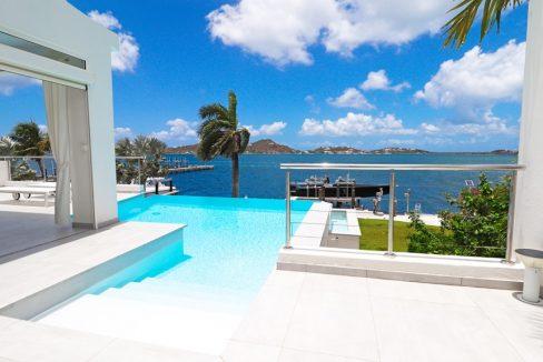 for-sale-5-bedr5oom-5.5-bath-lagoon-front-villa-st.-maarten-maho-2