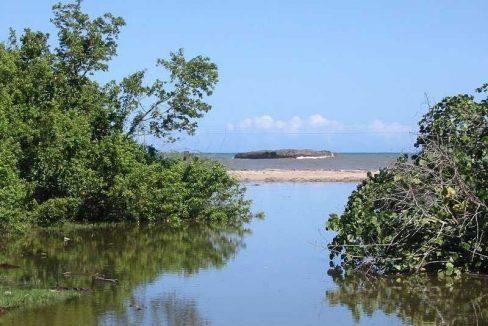 Cambiaso-Beachfront-Ushombi-8