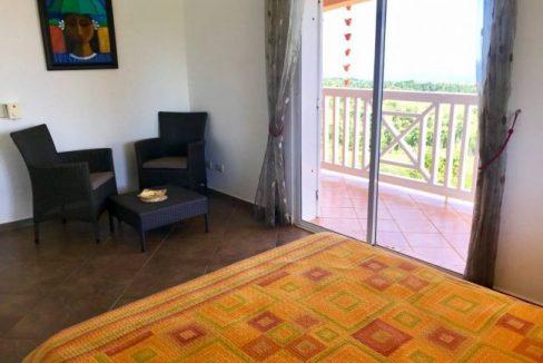 Guest-Bedroom-Villa-Loma-Alta-650x465