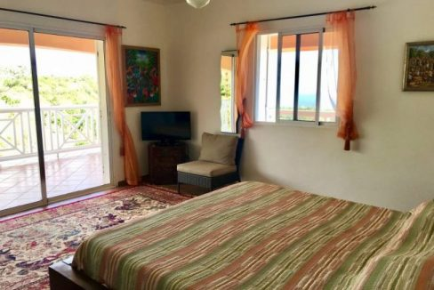Master-Bedroom-Villa-Loma-Alta-650x465