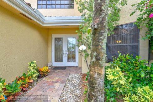 21020-Cottonwood-Drive-Florida-Ushombi-2
