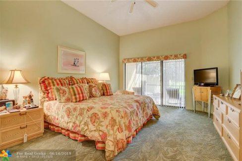 21020-Cottonwood-Drive-Florida-Ushombi-29