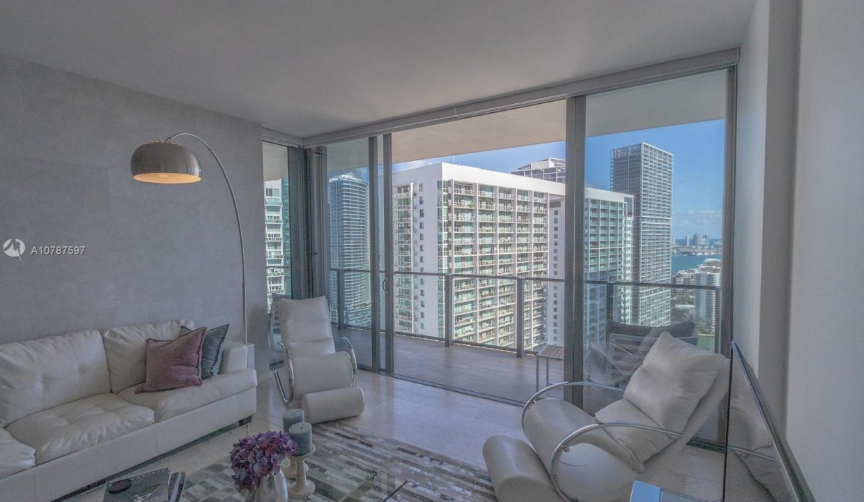 68-SE-6th-St-#3207-Miami-Florida-Ushombi-20