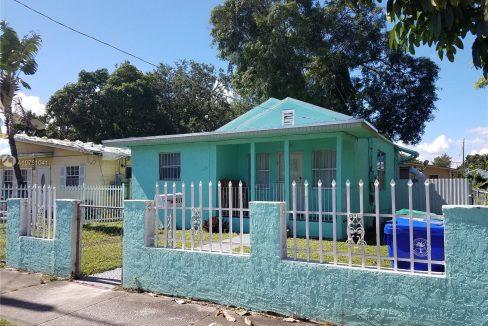 6810-NW-5th-Pl-Florida-Ushombi-1