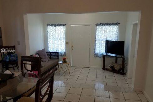 6810-NW-5th-Pl-Florida-Ushombi-8