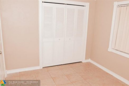 7611-NW-66th-Terrace-Florida-Ushombi-25