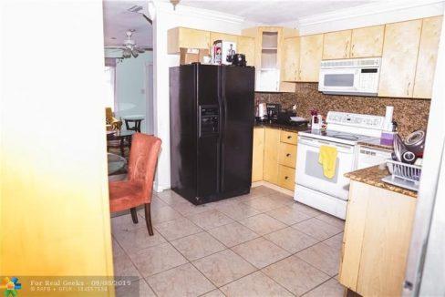 7611-NW-66th-Terrace-Florida-Ushombi-7