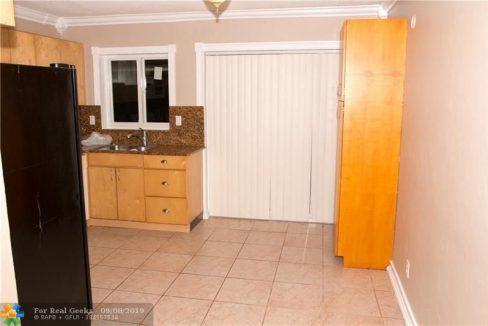 7611-NW-66th-Terrace-Florida-Ushombi-9