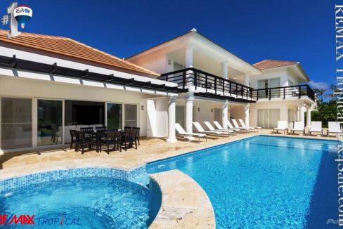 8BR-Villa-Paseo-del-Lago-Punta-Cana-Dominican-Republic-Ushombi-12