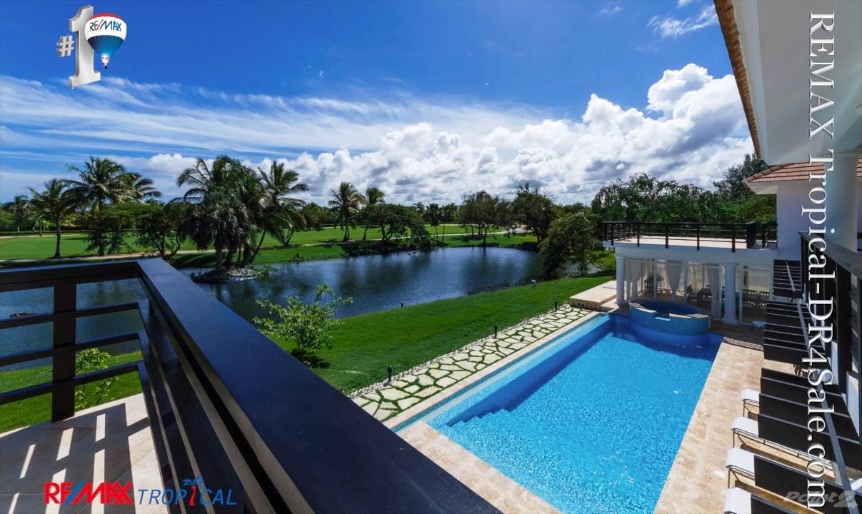 8BR-Villa-Paseo-del-Lago-Punta-Cana-Dominican-Republic-Ushombi-17