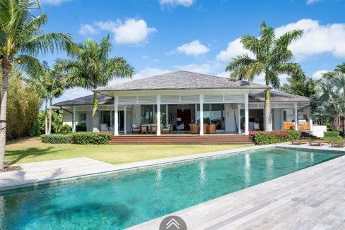 Cala-Rum-Dum-Fincastle-Island-Bahamas-Ushombi-2
