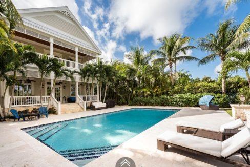 Coolville-Canal-Beach-#19-Bahamas-Ushombi-4