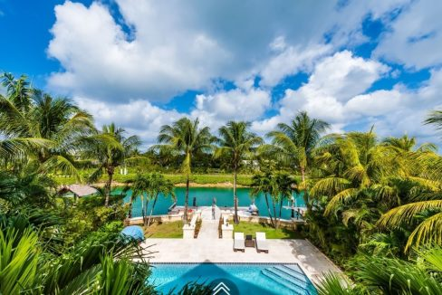 Coolville-Canal-Beach-#19-Bahamas-Ushombi-5