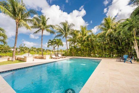 Coolville-Canal-Beach-#19-Bahamas-Ushombi-6