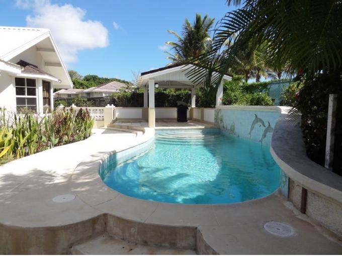 Durants-Fairway-with-Pool-Barbados-Ushombi-1