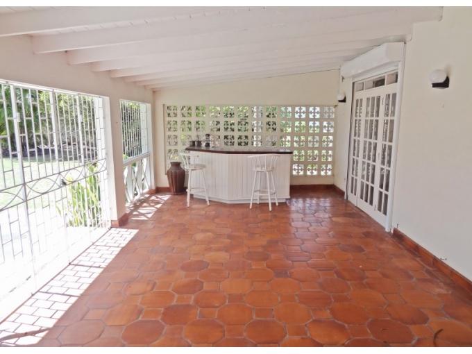 Durants-Fairway-with-Pool-Barbados-Ushombi-12
