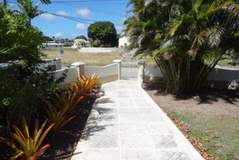 Durants-Fairway-with-Pool-Barbados-Ushombi-14
