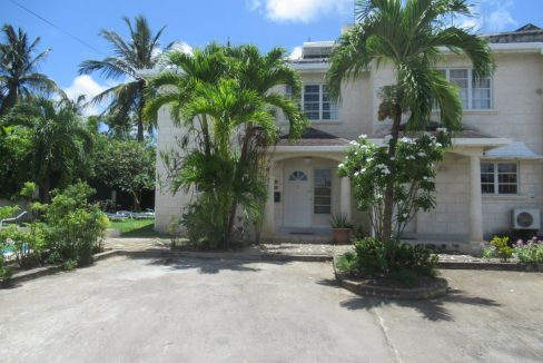 Holders-Hill-Townhouse-Barbados-Ushombi-1