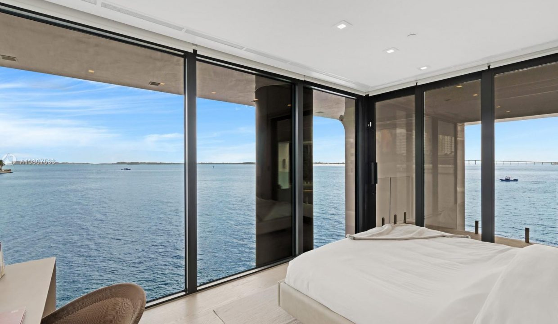Mansion-On-The-Water-Florida-Ushombi-11