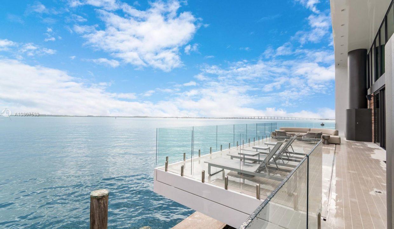 Mansion-On-The-Water-Florida-Ushombi-29