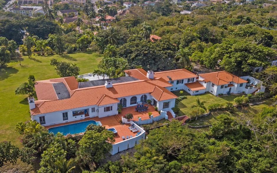 Sigrist-House-Nassau-Bahamas-Ushombi-1