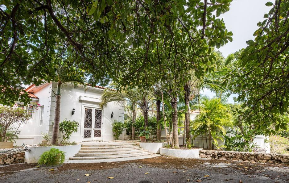 Sigrist-House-Nassau-Bahamas-Ushombi-17