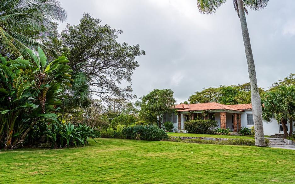 Sigrist-House-Nassau-Bahamas-Ushombi-30