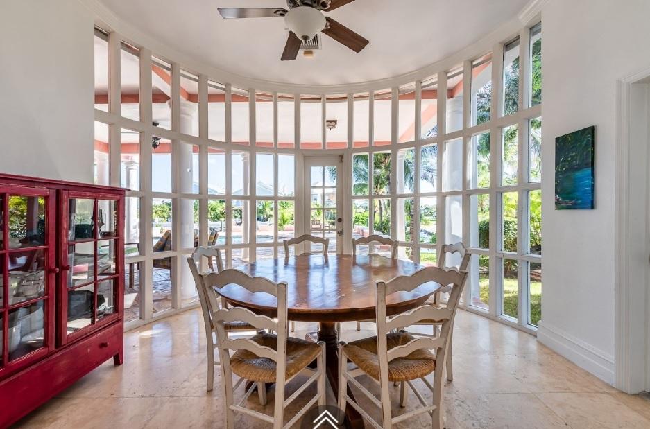 Kingfisher-Island-#29-Bahamas-Ushombi-12