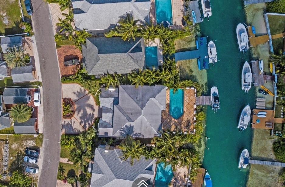 Kingfisher-Island-#29-Bahamas-Ushombi-20