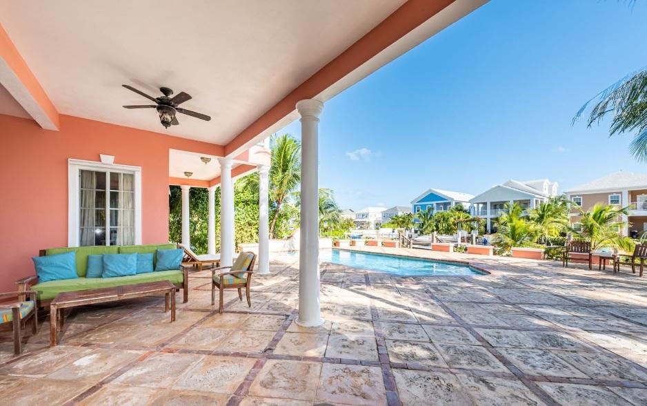 Kingfisher-Island-#29-Bahamas-Ushombi-7