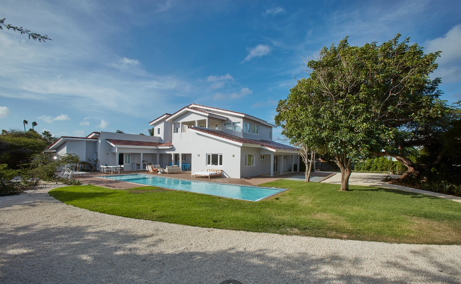 L.G.-Smith-Blvd-552-Aruba-Ushombi-33