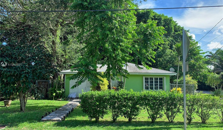 6792-SW-78th-Terrace-Florida-Ushombi-2