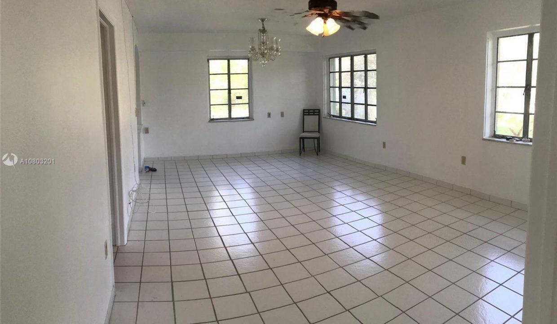 6792-SW-78th-Terrace-Florida-Ushombi-8