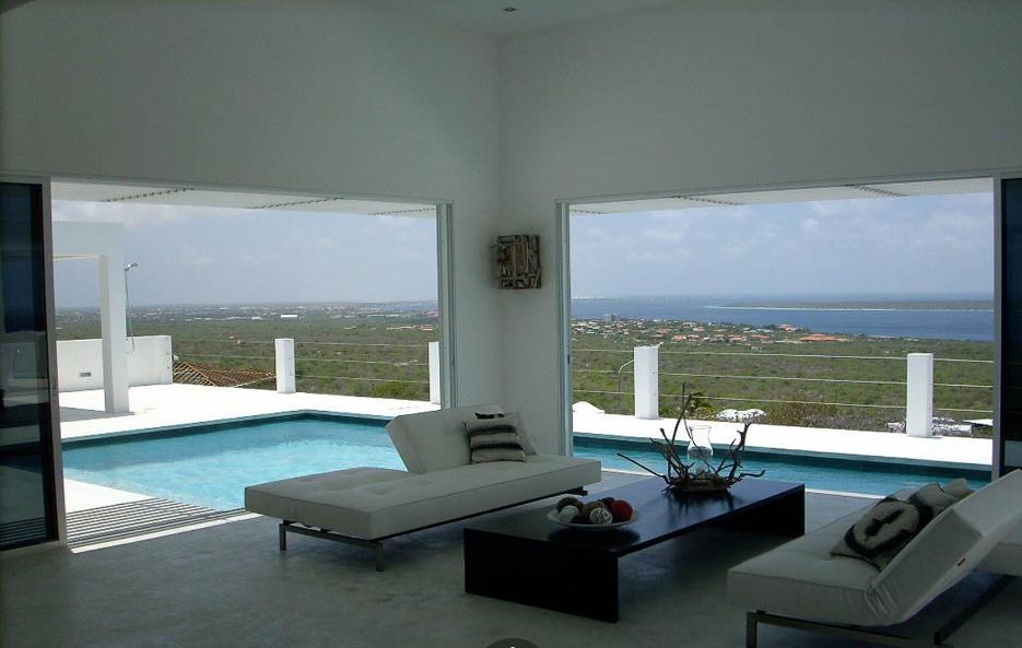 Costum-Dream-Villa-Bonaire-Ushombi-2