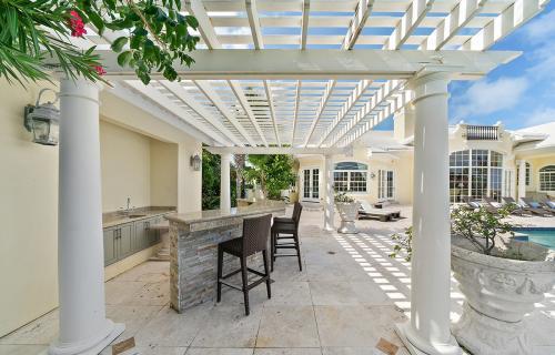 Four-Seasons-House-Ocean-Club-Estates-Bahamas-Ushombi-17