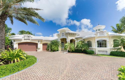 Four-Seasons-House-Ocean-Club-Estates-Bahamas-Ushombi-3