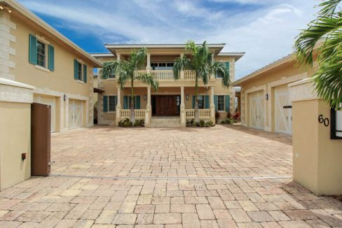 Luxurious-Canal-front-Estate-Bahamas-Ushombi-1