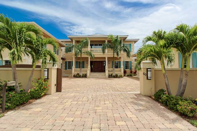 Luxurious-Canal-front-Estate-Bahamas-Ushombi-34