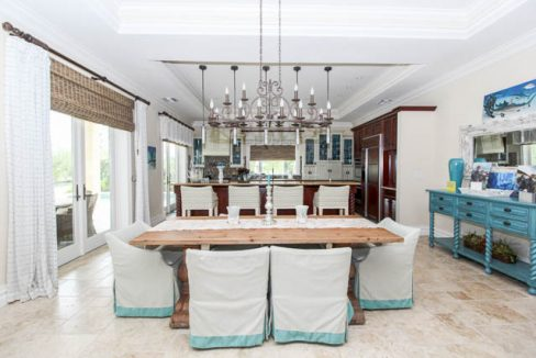 Luxurious-Canal-front-Estate-Bahamas-Ushombi-6