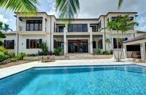 Tusculum-West-Bay-Street-Bahamas-Ushombi-1