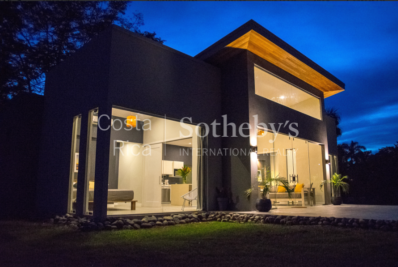 4-home-5-acre-investor-rental-compound-with-tennis-court-and-pools-Costa-Rica-Ushombi-14