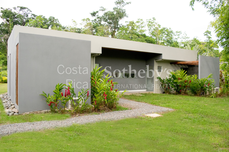 4-home-5-acre-investor-rental-compound-with-tennis-court-and-pools-Costa-Rica-Ushombi-16