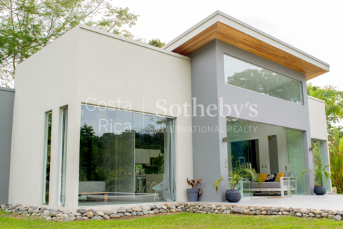 4-home-5-acre-investor-rental-compound-with-tennis-court-and-pools-Costa-Rica-Ushombi-17