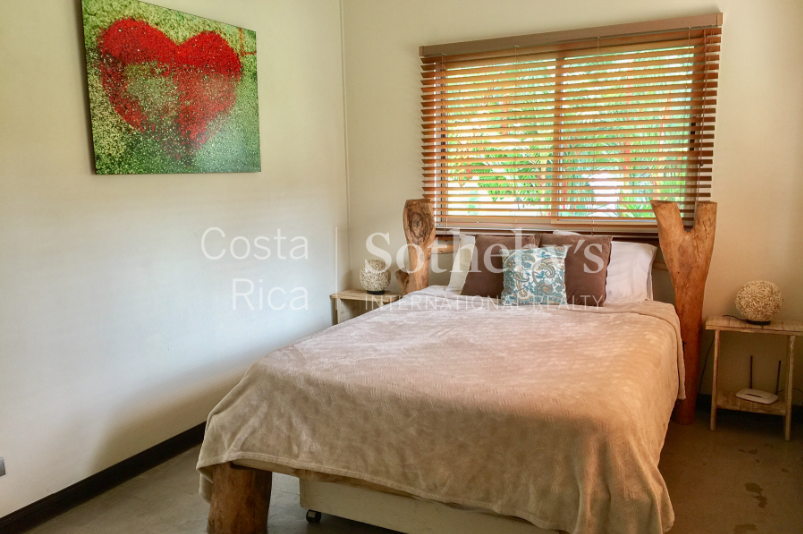 4-home-5-acre-investor-rental-compound-with-tennis-court-and-pools-Costa-Rica-Ushombi-4