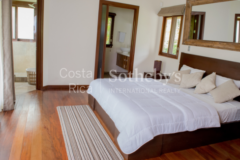 4-home-5-acre-investor-rental-compound-with-tennis-court-and-pools-Costa-Rica-Ushombi-9