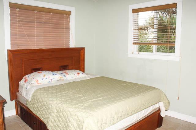 Beachfront-Cottage-in-East-Grand-Bahama-Ushombi-3